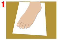 Poner el pie en diagonal sobre un folio en blanco